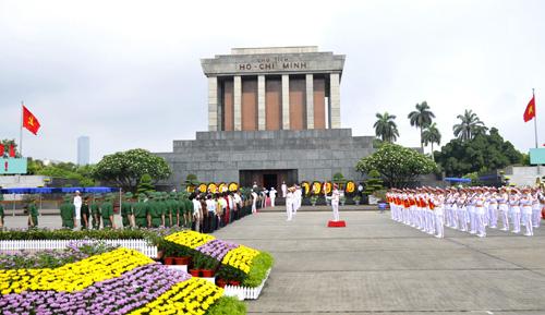 Chủ tịch Hồ Chí Minh với Cách mạng Tháng Tám